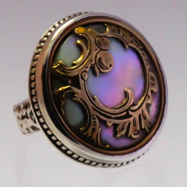 Vintage Parisien 1920's mother of pearl ring
